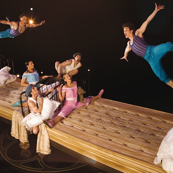 The Trampoline Bouncing Beds act from Corteo