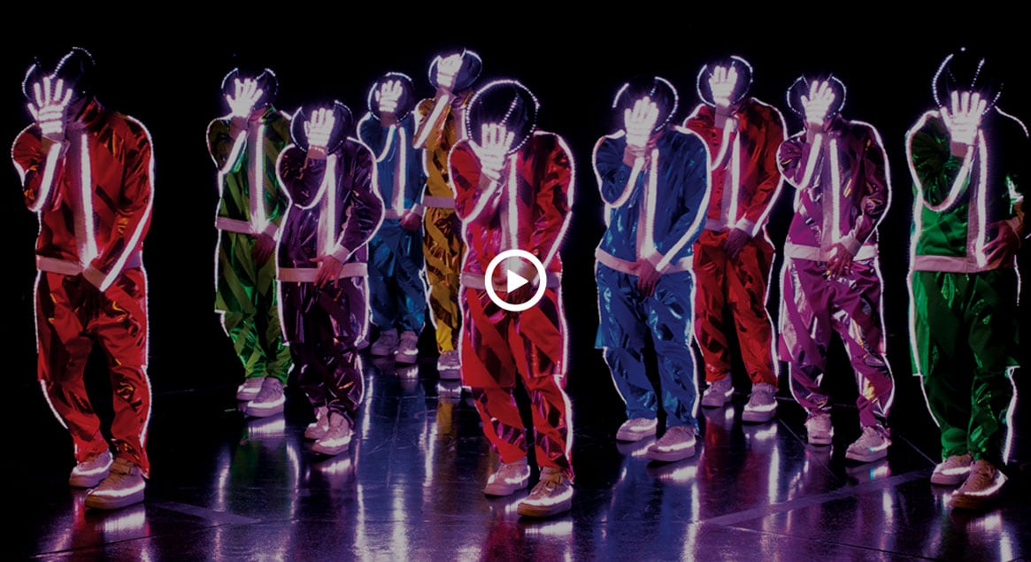 <i>Michael Jackson THE IMMORTAL World Tour</i> by <i>Cirque du Soleil</i>- Official video from YouTube