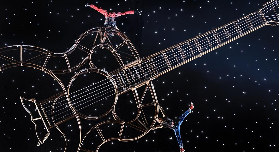 The guitare act from Viva Elvis by Cirque du Soleil
