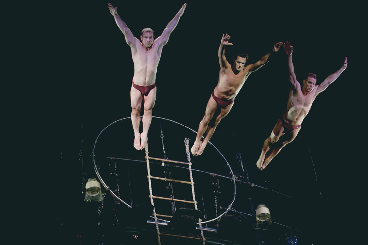 Berühmt O: Aquatic show in Las Vegas. See tickets and deals | Cirque du Soleil @ZR_11